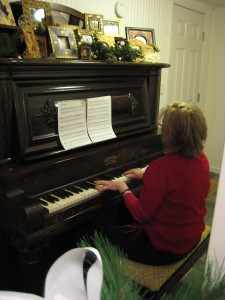 I love when my Mom plays the piano!