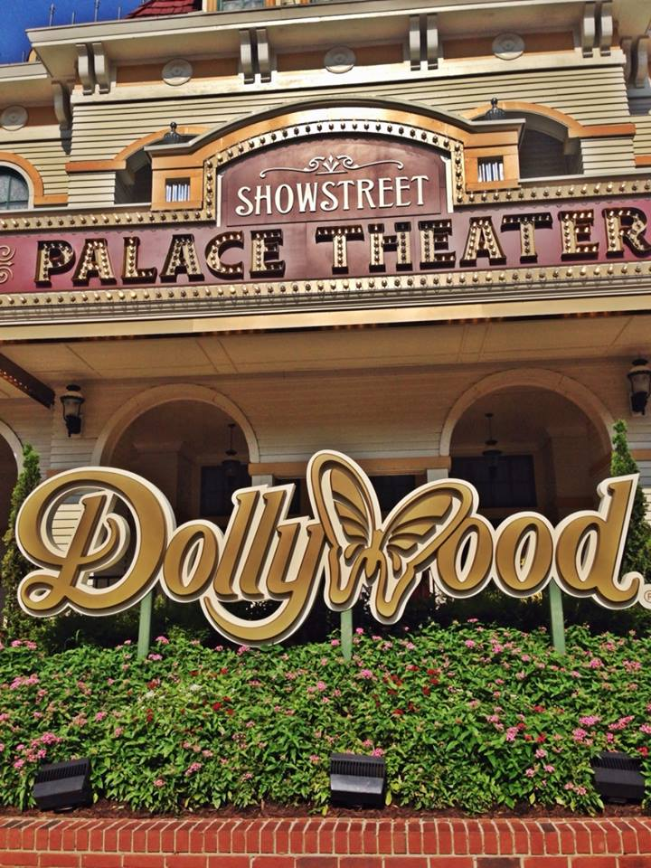 dollywood sign
